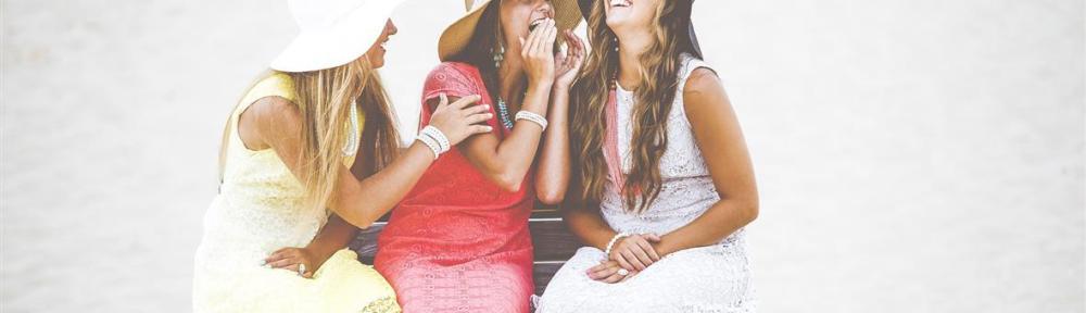 vrouwen lachen ontspan lichen sclerosus